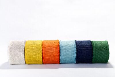 Jutové dekorační pásky - barevné (8 cm)
