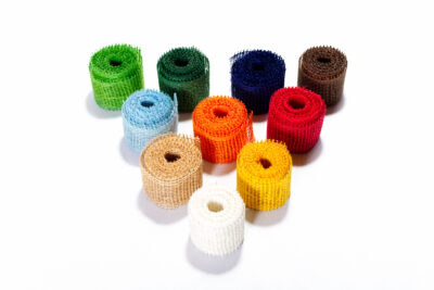 Jutové dekorační pásky - barevné (4 cm, 3 bm)